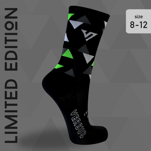 Limited edition Black Triangle från Versus socks